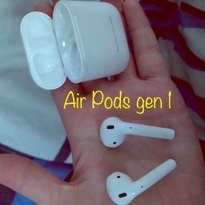 !!Air Pods Generation 1!! Barely used🤪